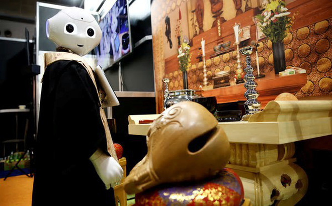 """Nhật Bản: """"Sư thầy robot"""" sẽ điều hành tang lễ tương lai?"""