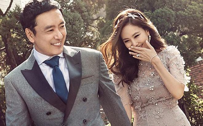 """Chuyện tình 12 năm của """"nữ hoàng quảng cáo"""" Kim Nam Joo và quý ông từng qua một đời vợ Kim Seung Woo"""