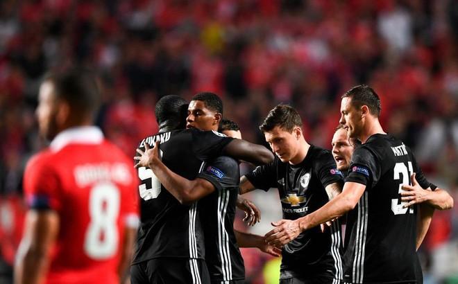 Champions League sẽ lại là cơn say... tạm thời của người Anh