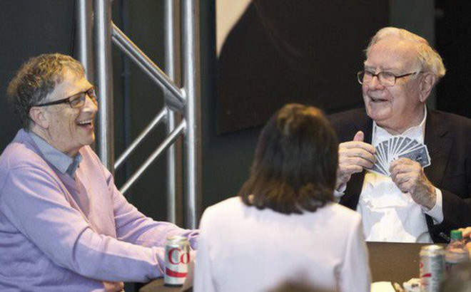 Cuộc sống bình dị của tỷ phú giàu thứ ba thế giới Warren Buffett: Ở nhà cũ, đi xe cà tàng, ăn uống giản đơn, thích chơi tiến lên