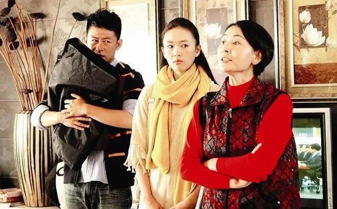 Bức thư con gái gửi bố sau nhiều lần chứng kiến mẹ bị nhà nội mắng chửi gây bão mạng Trung Quốc