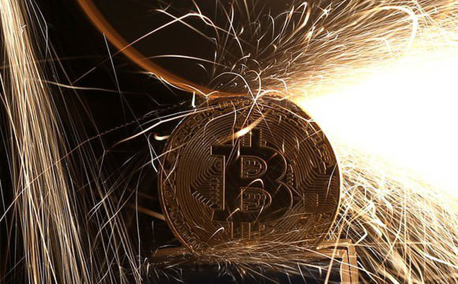 """Việt Nam nhập khẩu 1.500 máy đào bitcoin: Con người đã """"điên rồ"""" với đồng tiền ảo đến mức nào?"""