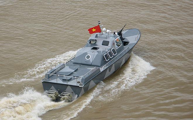 Việt Nam không cần xuồng cao tốc Raptor Nga khi đã có CQ-02 đặc chủng?
