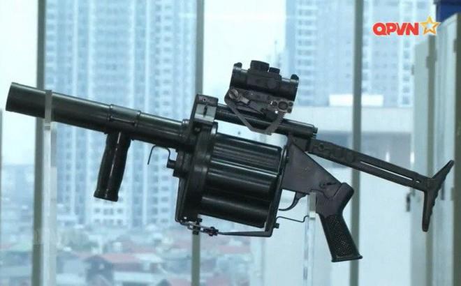 Cận cảnh súng phóng lựu bán tự động MGL-VN1 do Việt Nam chế tạo