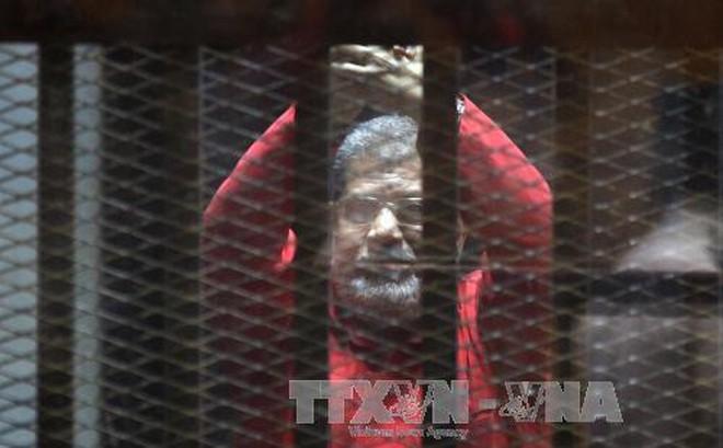 Tòa án Ai Cập kết án 3 năm tù giam Tổng thống bị lật đổ M.Morsi