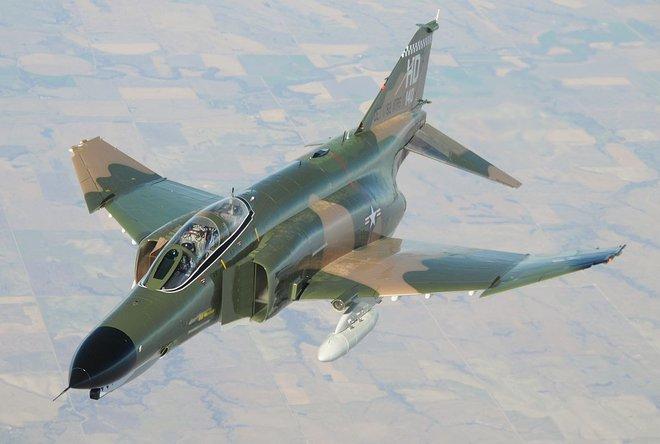 Lý do này khiến vũ khí Mỹ bị đối tác e ngại dù được... cho không - Ảnh 2.