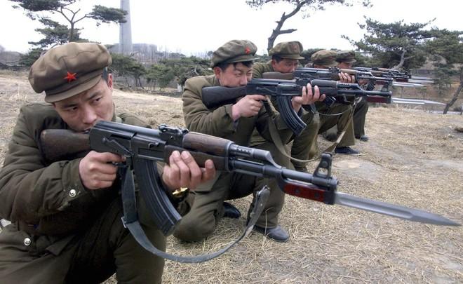 Điều tra giao dịch vũ khí hạng nhẹ: Lộ diện những cái tên bất ngờ trong top lái súng - Ảnh 1.