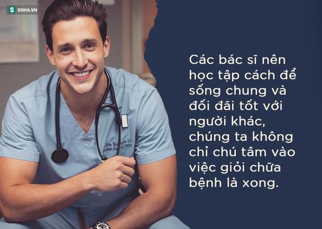 Bài phát biểu chấn động TQ: Hãy khám cho tốt chứ đừng nhìn chằm chằm vào túi bệnh nhân - Ảnh 12.
