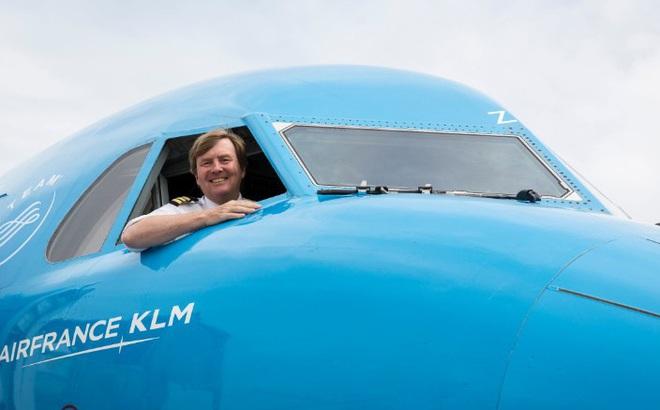 Đây là công việc bán thời gian mà vua Hà Lan đã làm suốt 20 năm