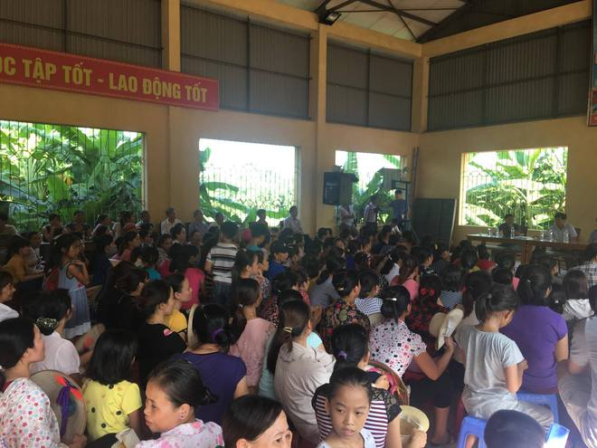 Vụ xe chở rau củ quả thối vào trường học bị bắt: Trong bữa trưa chỉ có gạo kém chất lượng - Ảnh 2.