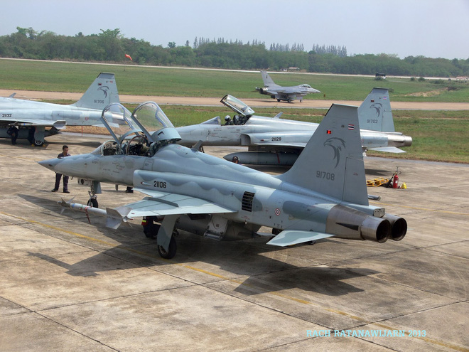 Khôi phục và nâng cấp F-5E để phối hợp tác chiến cùng Su-27/30 - Tại sao không? - Ảnh 2.