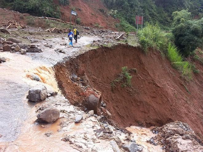 Yên Bái thiệt hại hơn 700 tỷ, 10 người mất tích vẫn chưa tìm thấy sau trận mưa lũ lịch sử - Ảnh 1.