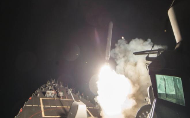 Trump phát động tấn công, phóng 59 tên lửa Tomahawk vào quân chính phủ Syria
