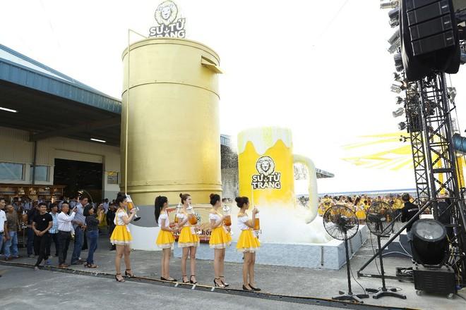2000 anh em chí cốt vui quá xá tại lễ hội bia bồn đầu tiên - ảnh 1