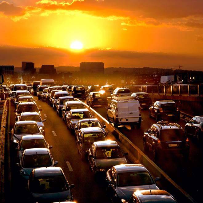 30 phút trên đường, 3 triệu người Hà Nội có thể hít những khí độc nguy hiểm nào? - Ảnh 2.