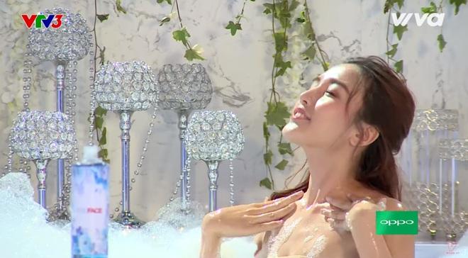 Các thí sinh The Face diễn cảnh trong bồn tắm - ảnh 6