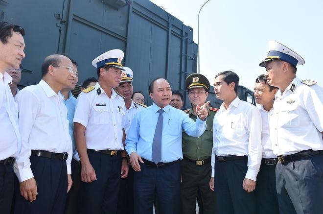 Thủ tướng kiểm tra công tác huấn luyện sẵn sàng chiến đấu của Lữ đoàn tên lửa bờ 681 - Ảnh 3.