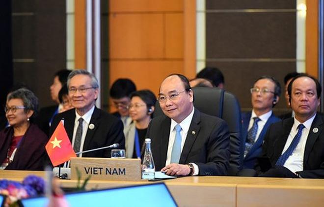 Đại sứ Hoàng Anh Tuấn: ASEAN-31 lập kỷ lục mới, Thủ tướng Nguyễn Xuân Phúc họp tới quá nửa đêm - Ảnh 1.