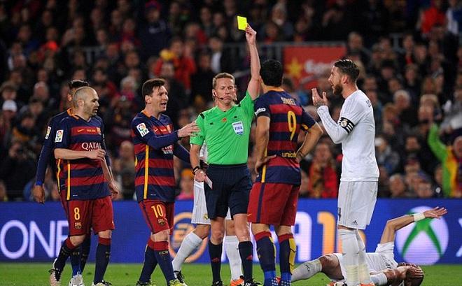 """Cả Real lẫn Barca cùng """"run rẩy"""" vì trọng tài trước siêu kinh điển"""