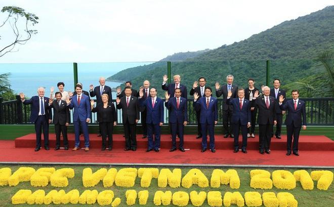 """Reuters chỉ ra những """"làn gió mới"""" mang dấu ấn Tổng thống Trump trong tuyên bố chung của các nhà lãnh đạo APEC"""
