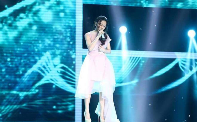 Hot girl Hà Tĩnh hát bản hit của Hồ Ngọc Hà hút 1,7 triệu lượt xem