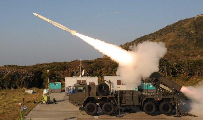 Nhật Bản tự tin thừa khả năng bắn hạ tên lửa chống hạm tốt nhất thế giới của Trung Quốc - Ảnh 1.