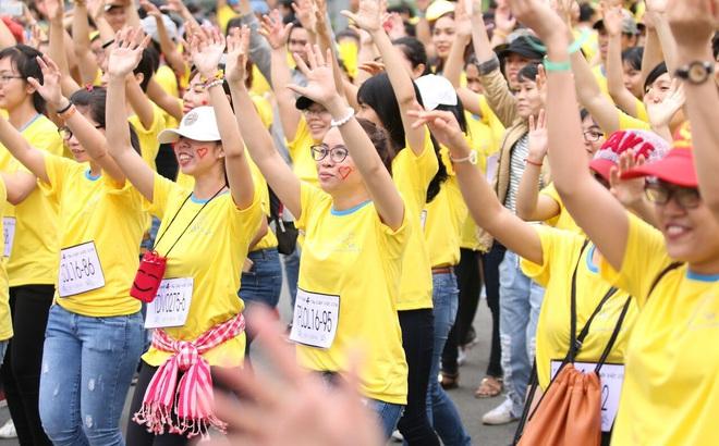 Hơn 100 nghệ sĩ chạy vì nụ cười trẻ em Việt Nam