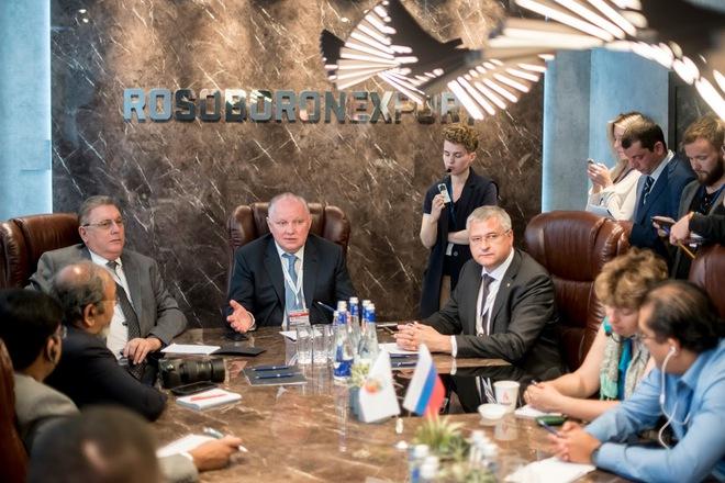 TGĐ Rosoboronexport Nga xác nhận các đơn hàng mua vũ khí mới của Việt Nam - Ảnh 2.