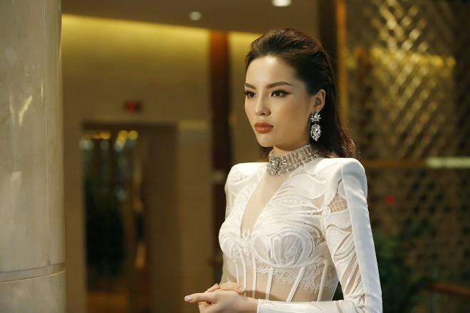 Hoa hậu Kỳ Duyên: Tôi chỉ thua Phạm Hương ở kinh nghiệm làm huấn luyện viên! - Ảnh 3.