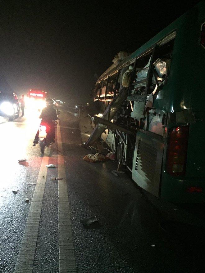 Bắc Ninh: Xe khách giường nằm nổ lớn, 14 người thương vong - Ảnh 2.