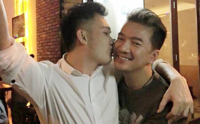 Lộ thiệp cưới Đàm Vĩnh Hưng và Dương Triệu Vũ..?