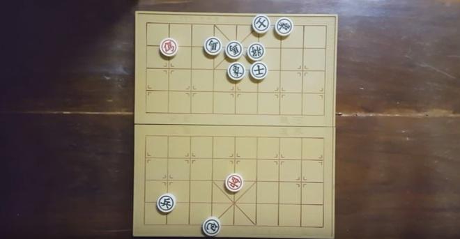 Thế cờ kinh điển đơn mã diệt quần ma, bạn nghĩ bên nào sẽ thắng? - Ảnh 10.