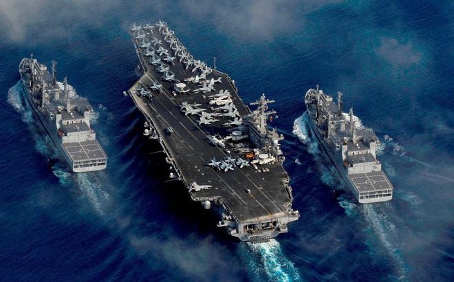 """Tàu sân bay và tàu ngầm Mỹ """"nhảy"""" vào chèn ép Hải quân TQ ngay nếu Bắc Kinh đánh Ấn Độ?"""