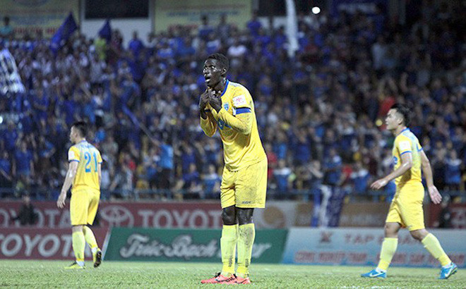 Quyền Chủ tịch CLB TP.HCM Lê Công Vinh: 'V-League ngày một mất giá'
