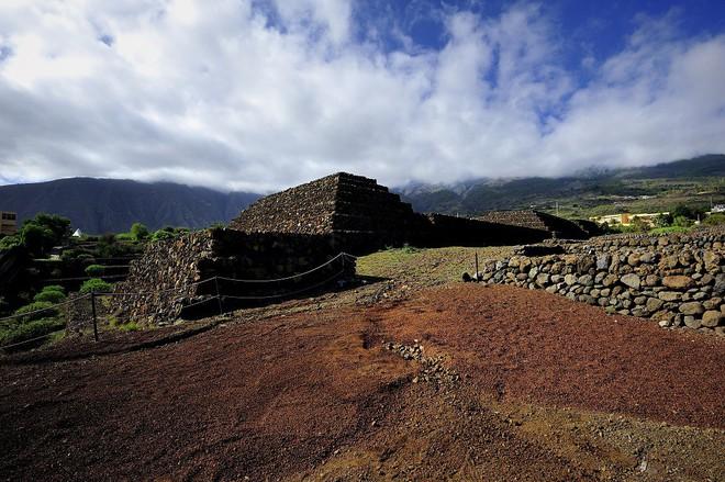 Phát hiện loạt kim tự tháp bí ẩn ở Tây Ban Nha: Nhà thám hiểm đang truy tìm nguồn gốc - Ảnh 3.