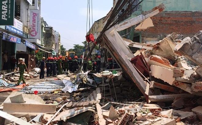 """Sập nhà 3 tầng ở Quy Nhơn: """"Phát hiện vết nứt trên tường trước 1 ngày"""""""