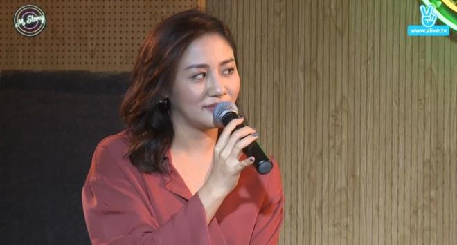 Văn Mai Hương: Tôi thi Vietnam Idol không được một đồng nào, tiền là Uyên Linh cầm hết - Ảnh 1.