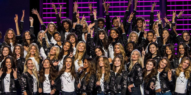 Victorias Secret Fashion show 2017: Show diễn hoành tráng nhất lịch sử  hãng nội y danh tiếng - Ảnh 1.