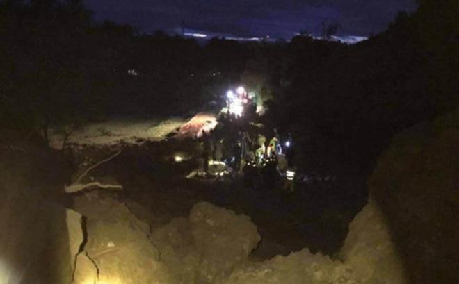 Hòa Bình: 5 nhà dân sạt lở, đã tìm thấy thi thể 9 người, còn nhiều người đang bị vùi lấp
