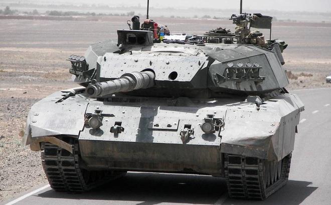 """Chiến tăng """"hàng hiếm"""" của NATO còn sống sót sau kỷ nguyên Chiến tranh Lạnh"""