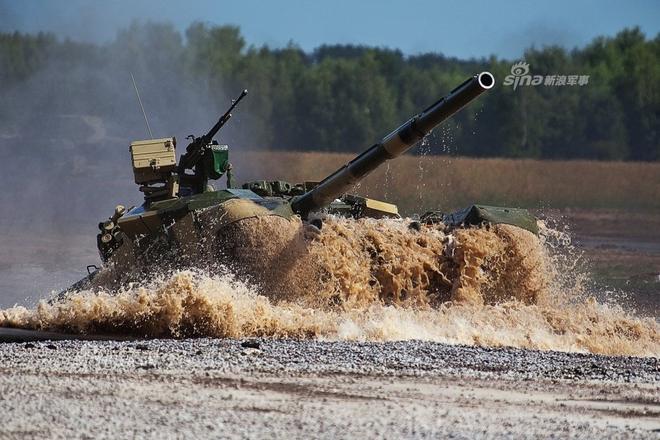 Báo Trung Quốc bình luận thương vụ mua sắm xe tăng T-90 của Việt Nam - Ảnh 2.
