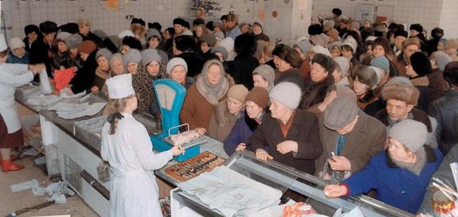 Đòn hiểm của Gorbachev làm nền kinh tế Liên Xô gục ngã - Ảnh 3.