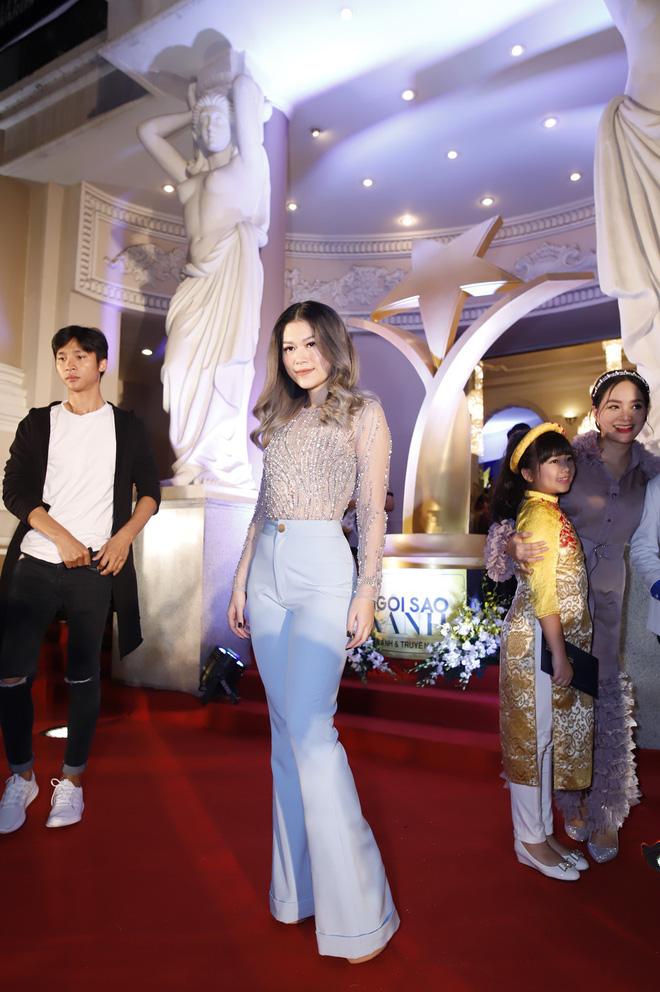 HHen Niê và 2 Á hậu gây chú ý trên thảm đỏ trao giải Ngôi sao xanh 2017 - Ảnh 8.