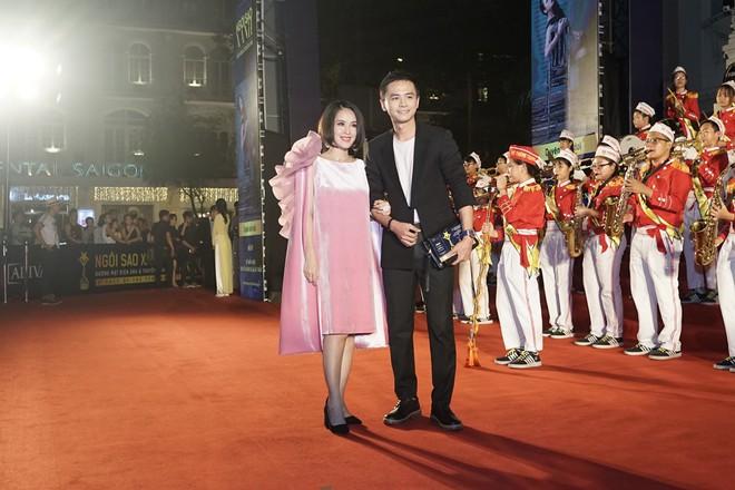HHen Niê và 2 Á hậu gây chú ý trên thảm đỏ trao giải Ngôi sao xanh 2017 - Ảnh 11.