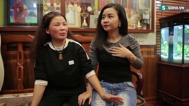 Bố mẹ Quang Hải tha thiết xin phóng viên đừng