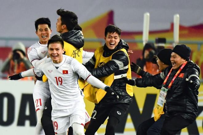 HLV Lê Thụy Hải: Sợ gì thời tiết, Qatar còn thắng Hàn thì Việt Nam sẽ thắng Uzbekistan - Ảnh 2.