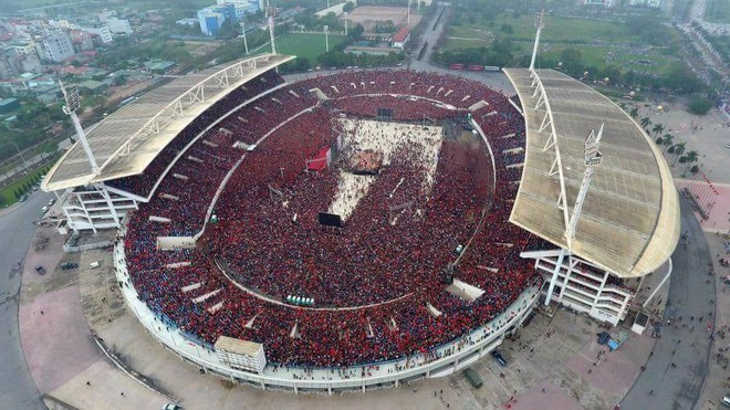 """""""Biển đỏ cổ vũ ĐT U23 Việt Nam khiến dân mạng Trung Quốc phải ngả mũ! - Ảnh 3."""