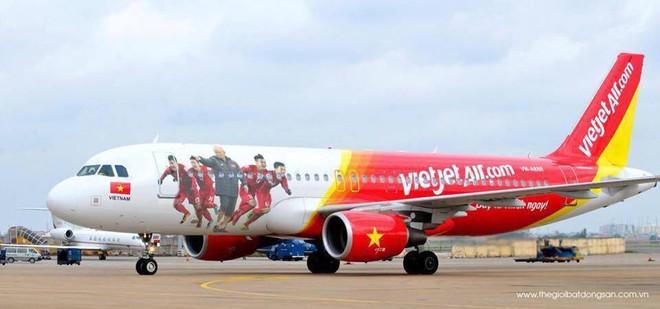 Cơ trưởng chuyến bay đặc biệt đón U23 Việt Nam: Trẻ nhất, đẹp trai nhất nên được chọn! - Ảnh 2.