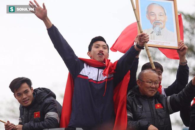 U23 Việt Nam đã về đến nội thành Hà Nội - Ảnh 6.