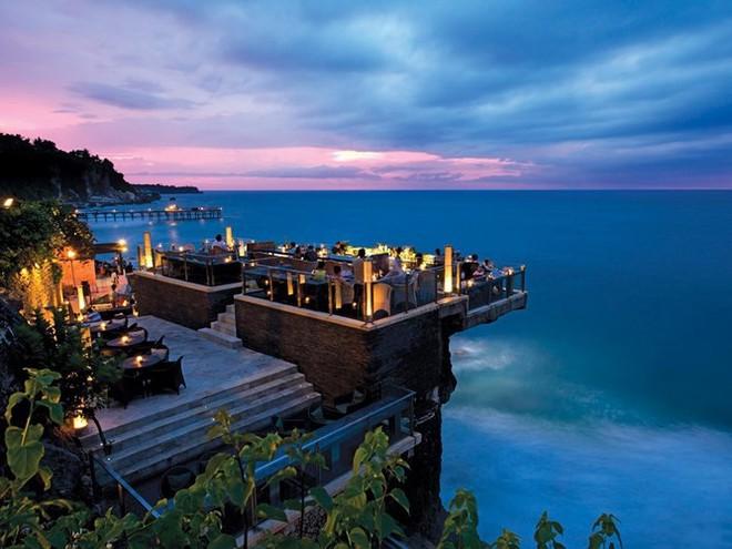 Top 10 nhà hàng trên tầng thượng có tầm nhìn đẹp nhất thế giới - Ảnh 7.